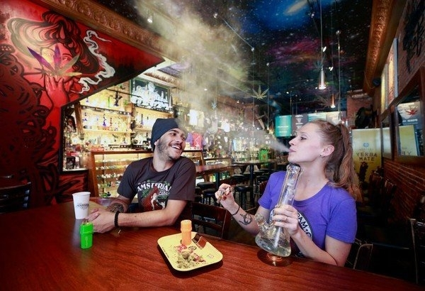 cannabis-cafe.jpg