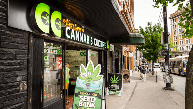 cannabis-shops-reopen-canada(1).png