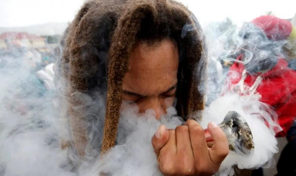 cannabis-use-19(1).jpg