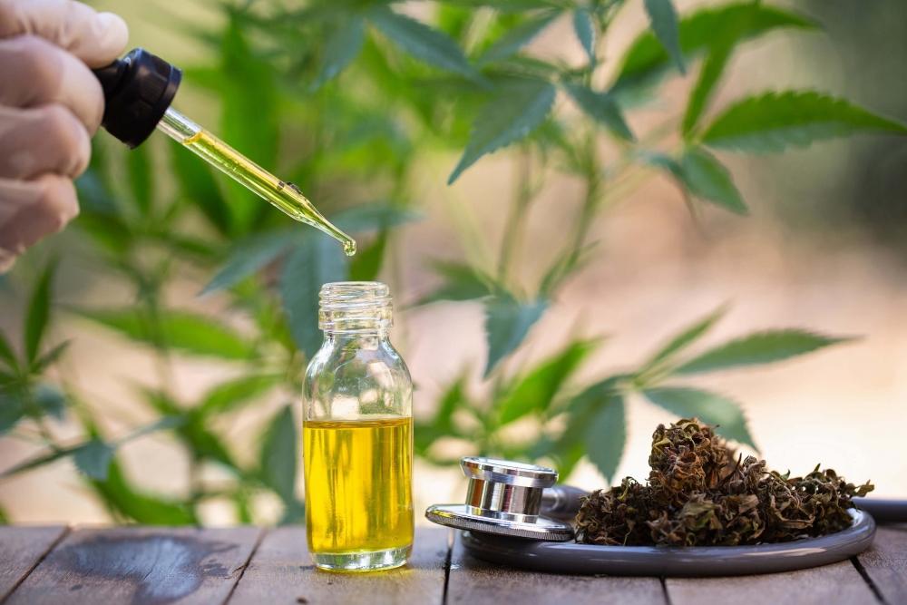 cannabis-oil-israel-britain(1).jpg